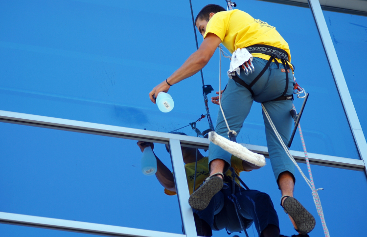 Draft window cleaners in Coronavirus fight, says FWC