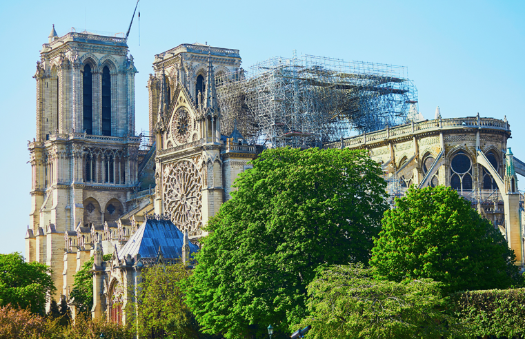 Lead decontamination closes Paris streets